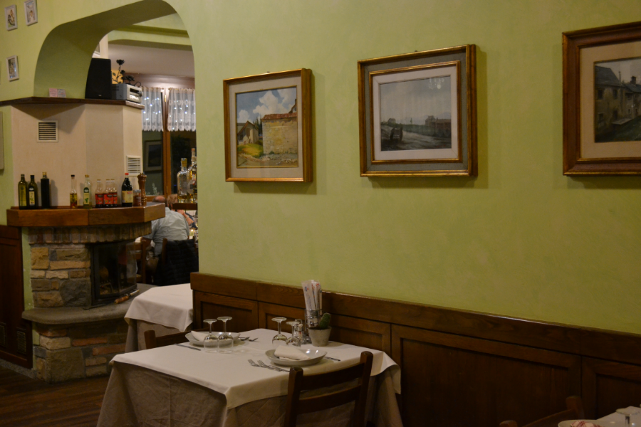 Night-with-dinner-at-Moderno-for-two-people